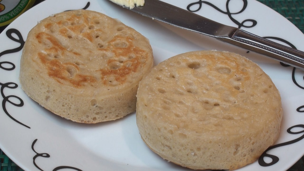 Crumpet Recipe - The Bread Kitchen